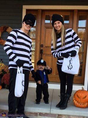 disfraces-familia-ladrones-policia