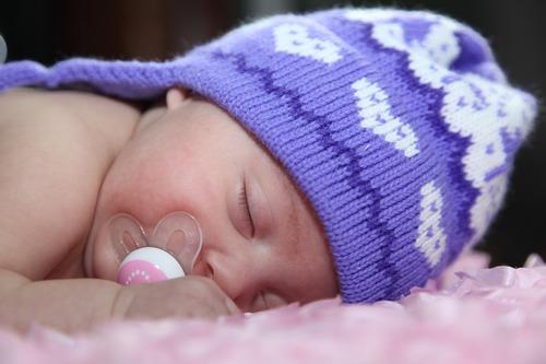 postura para dormir bebés