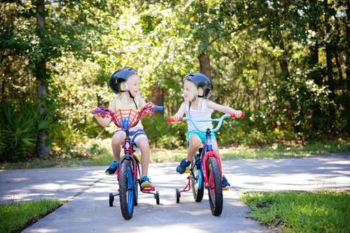 beneficios aprender a montar en bicicleta