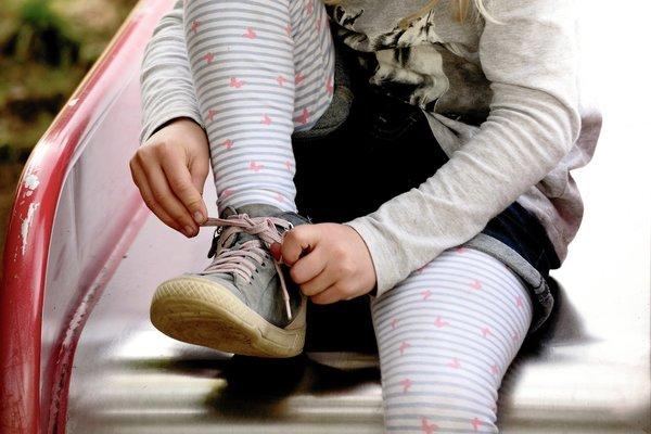 cuidar pies niños