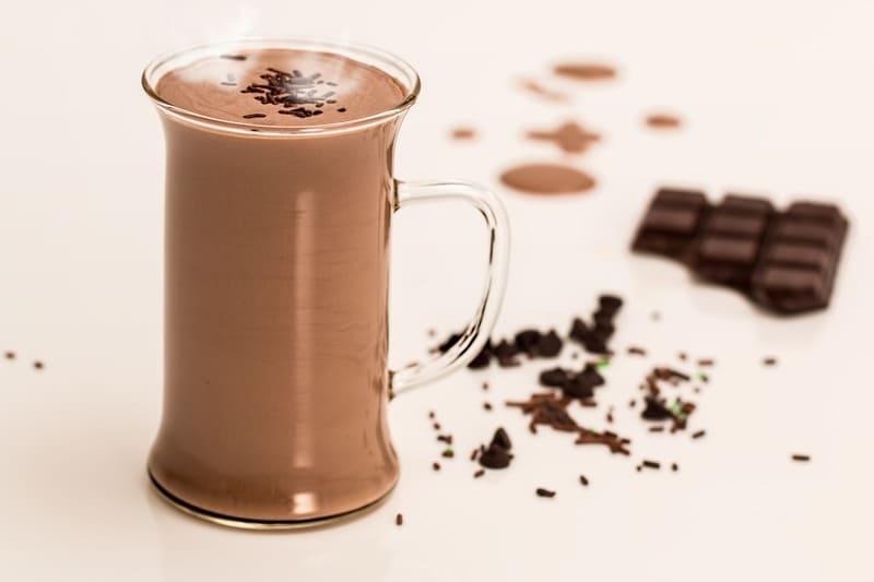 chocolate caliente para adelantar el parto