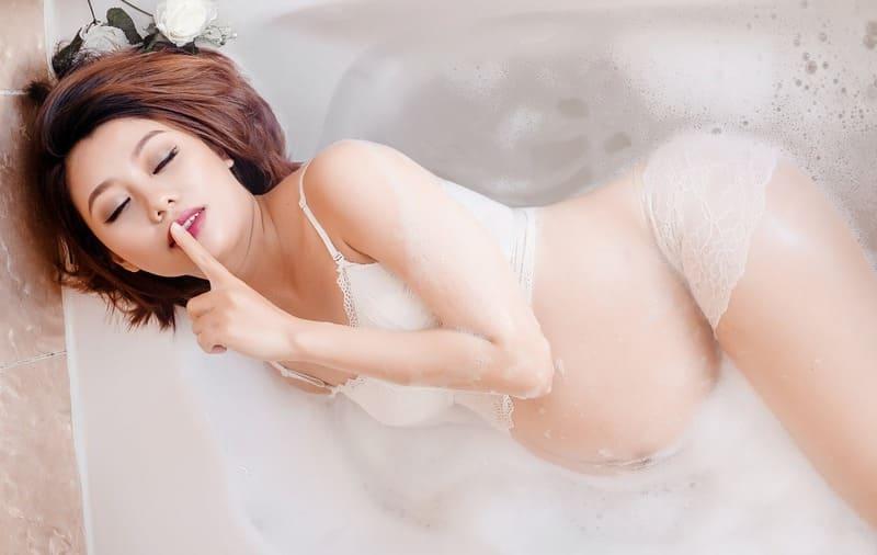 embarazada en la bañera consejos para adelantar el parto