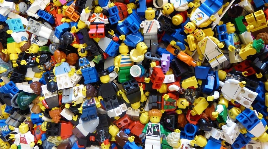 formas de organizar las piezas de lego