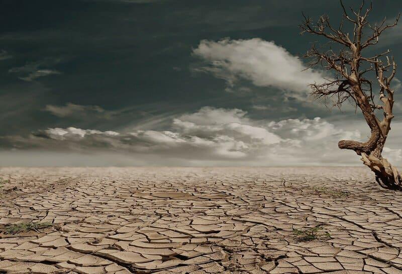 tierra desertica calor