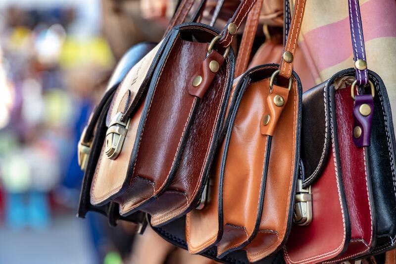 elegir un bolso como regalo