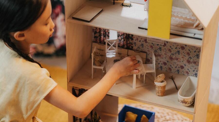 beneficios de jugar con casitas de muñecas